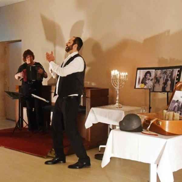 T4C Lebedik Jewish Show