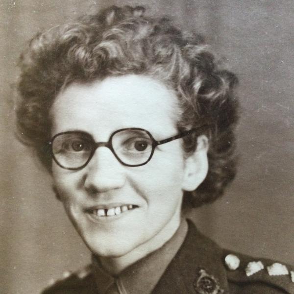 Jessie Bond 1945